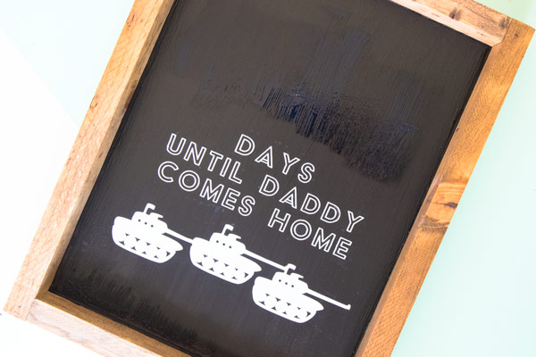 Make your own military countdown for deployed family members. It's the perfect military craft to make with your Cricut. #cricut #cricutmade #military