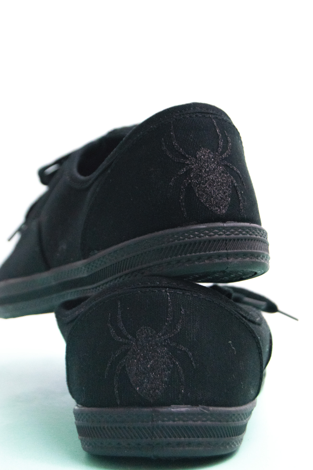 spider vinyl ironed on to shoes