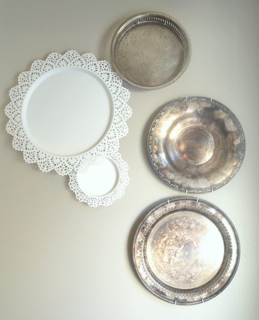 Silver and Ikea Plate wall on seelindsay.com