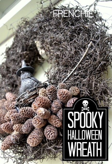 Spooky Halloween Wreath on seelindsay.com