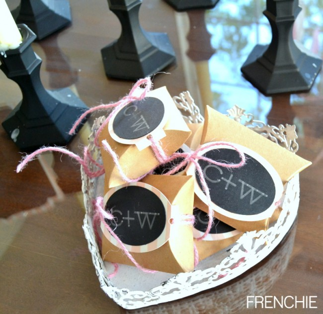 Easy Wedding Favors with your Cricut Explore on seelindsay.com