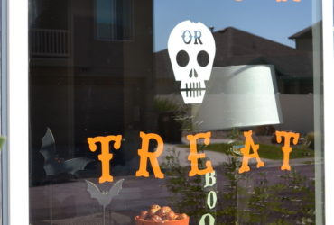 Easy Halloween Window Cling