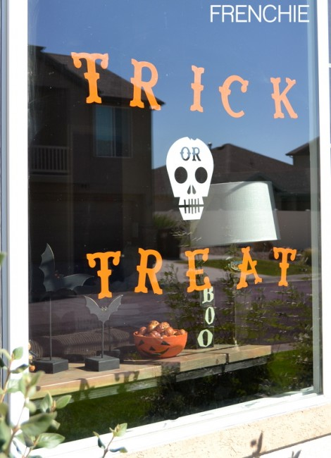 Halloween Cricut Window Cling on seelindsay.com @cricut