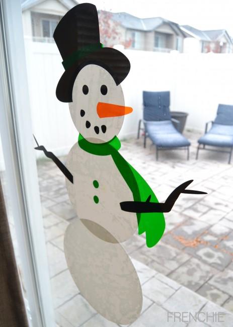 Do you want to build a Snowman with Cricut? On seelindsay.com for #cricutdesignstar