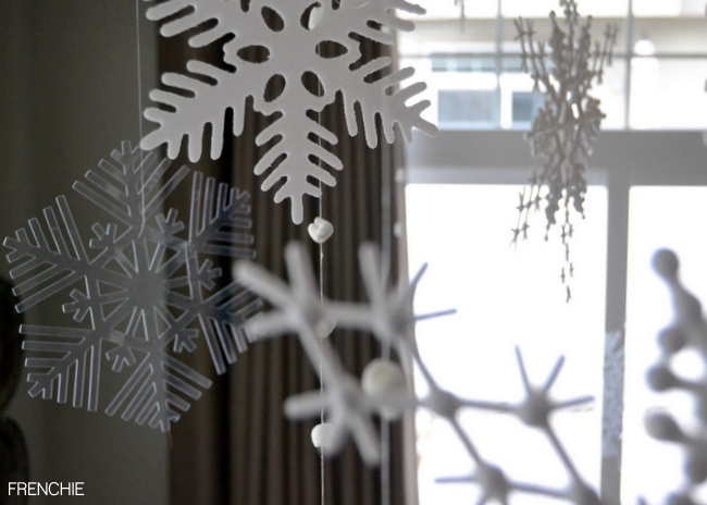 Creating a Winter Wonderland with Cricut Explore on seelindsay.com