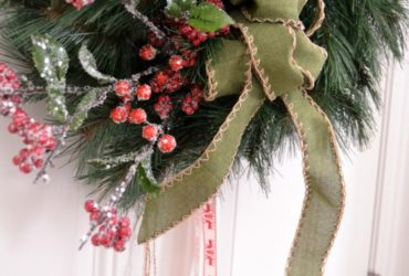 Make An Easy Christmas Wreath