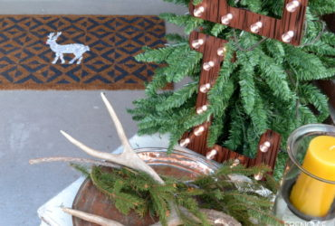 A DIY Holiday Reindeer Doormat