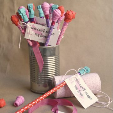 Create these cute and easy kids valentines for less than $5 for the whole class! Only on seelindsay.com