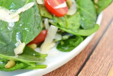 Spinach and Pine Nut Salad Recipe