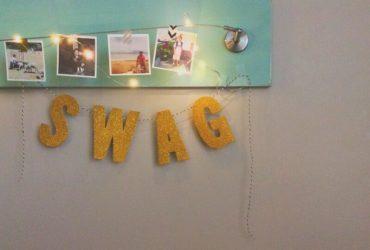 Easy DIY Photo Hanger