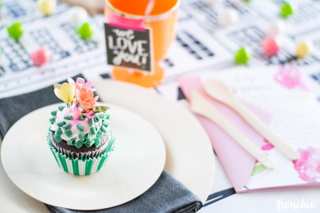 Easy DIY Flower Cupcakes