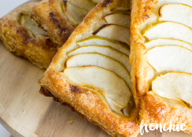 Make these delicious and simple French Apple Tarts with only 5 minutes of prep time. Such a wonderful recipe and a must try. Get the recipe and many others on seelindsay.com