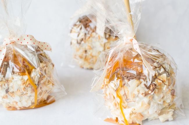 Create these simple and homemade neighbor gifts for Christmas