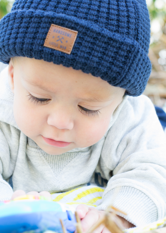 What are the best essential clothing for baby? Check out this guide.