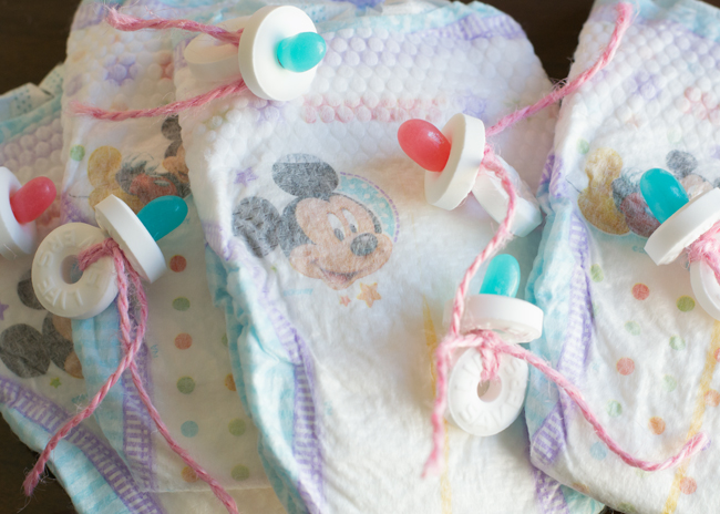 how to make candy pacifiers. perfect for a baby shower or gender reveal party