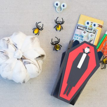Make this easy Halloween craft using a popcorn box and a cut file.