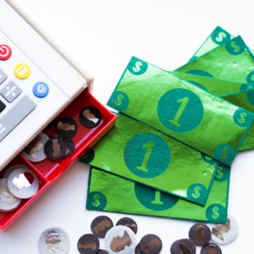 Learn how to make your own felt play money using your Cricut Explore