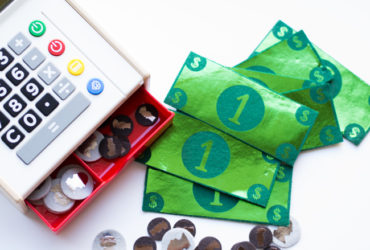 How to create your own felt play money with your Cricut Explore