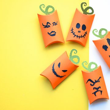 Make your own pumpkin pillow boxes using your Cricut machine. Easy Halloween craft done in less than 15 minutes!