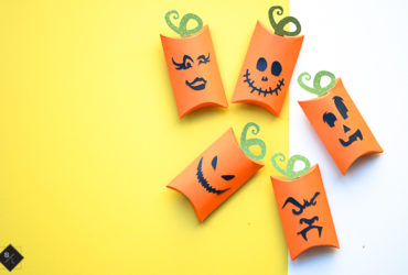 Pumpkin Pillow Boxes – 15 Minute Halloween Craft
