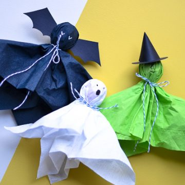 Create the perfect classroom Halloween craft with suckers and a free template