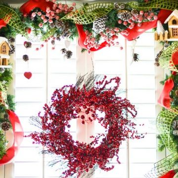 Create the perfect Christmas designer garland. Its the perfect addition to all those Christmas decorations.