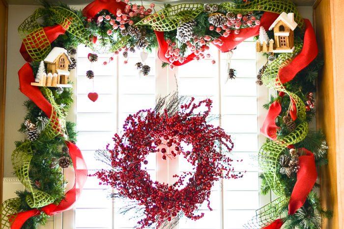How to create a Christmas designer garland