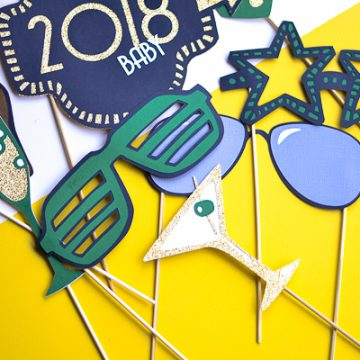 New Years Photo Booth DIY with Cricut