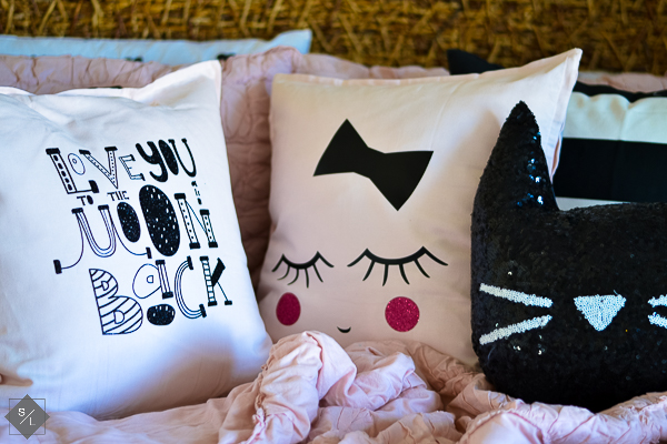 girls bedroom pillows