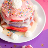 Create a memorable Unicorn Party with these magical Unicorn Pancakes. Its the perfect unicorn party food.