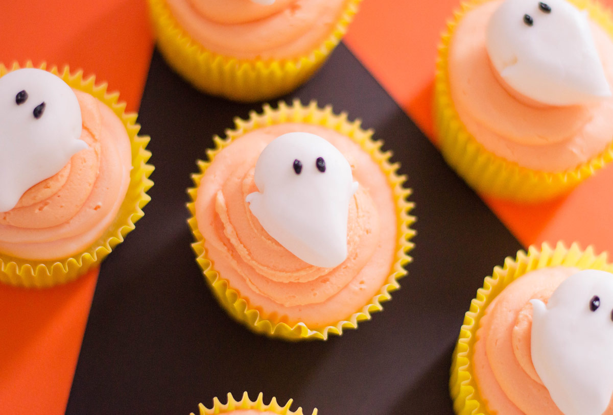 Hauntingly Delicious Ghost Cupcakes