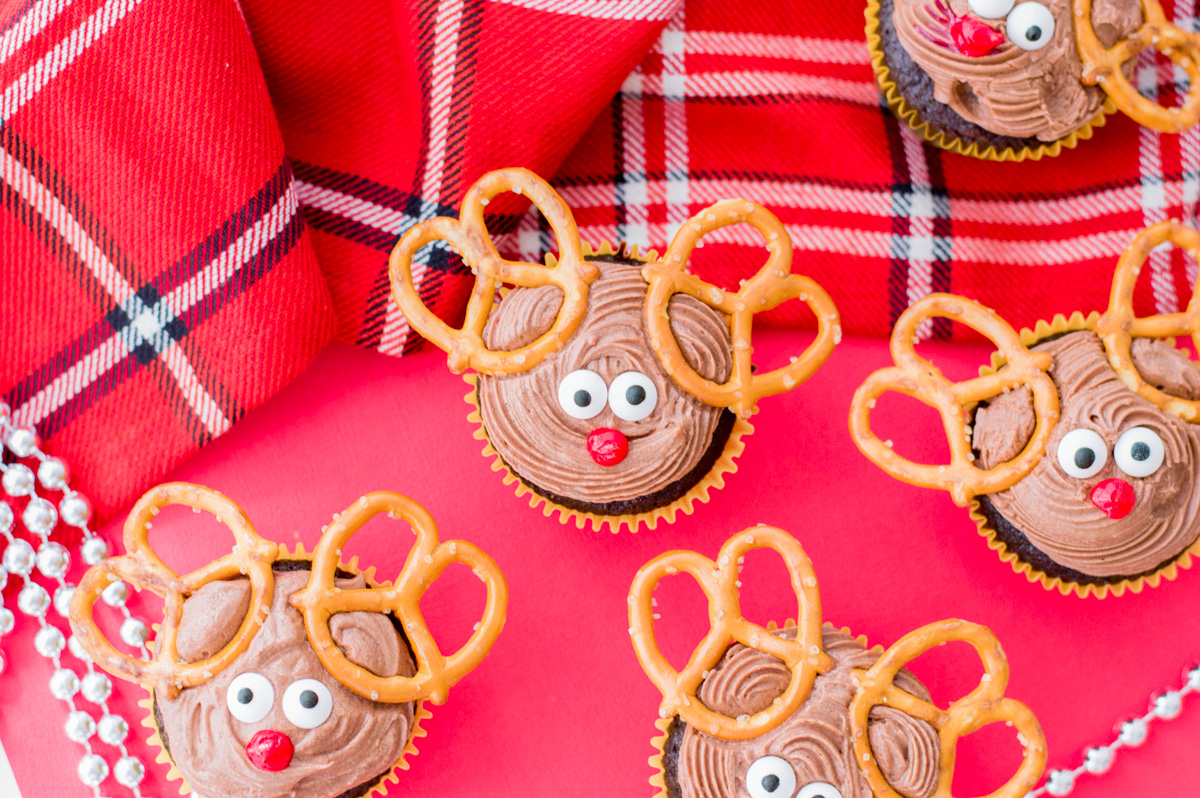 The Cutest Reindeer Cupcakes You've Ever Seen and You Can Make Them