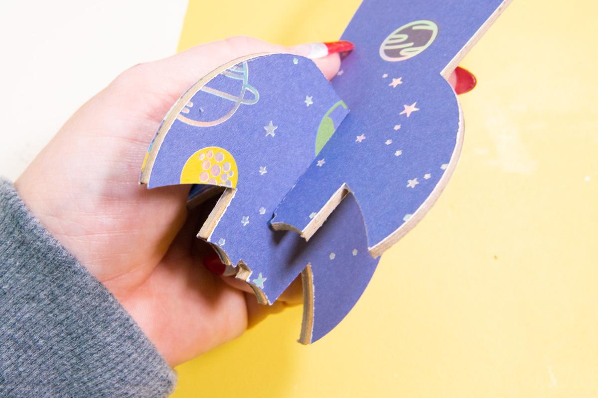 hook 3d paper model together