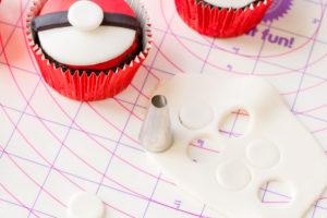 fondant circle for Pokemon cupcake