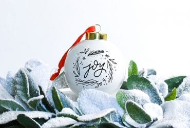 Cricut Christmas Ornament using Natalie Malan's Christmas Images