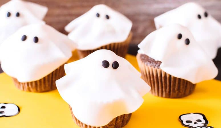 A Ghost Cupcake Recipe That's Kid-Friendly and Delicious