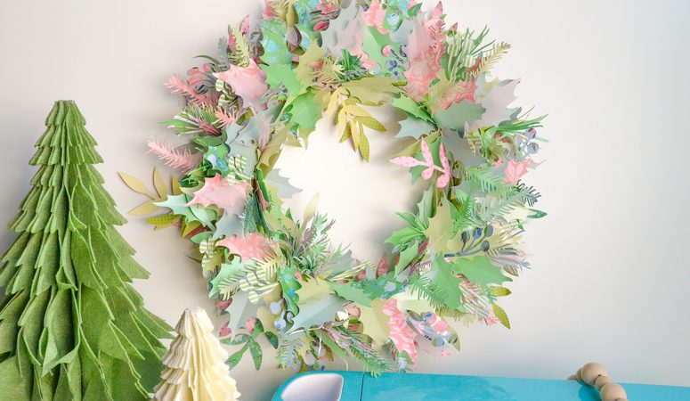 Christmas Paper Wreath with the Cricut Explore Air 2