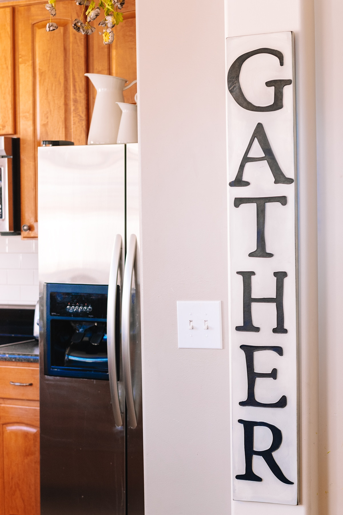 large gather sign