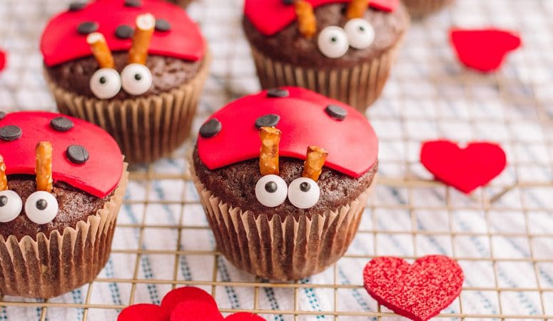 The Most Adorable Ladybug Cupcakes Ever!