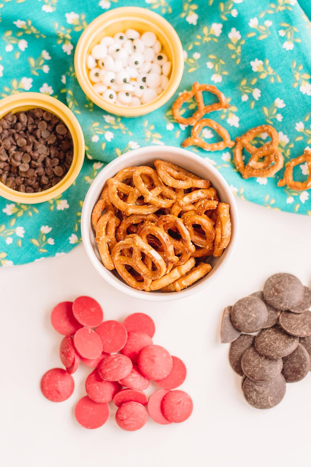 ladybug pretzel supplies