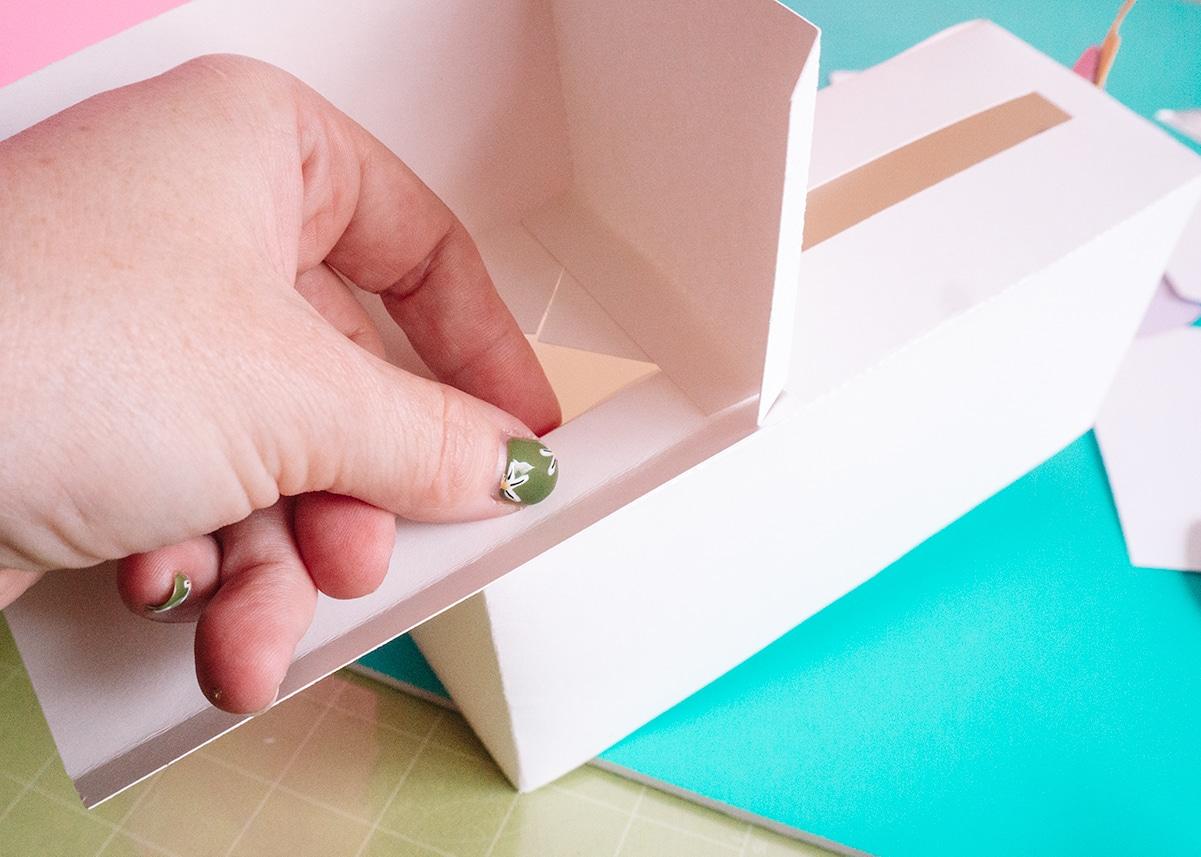 making a unicorn valentine box