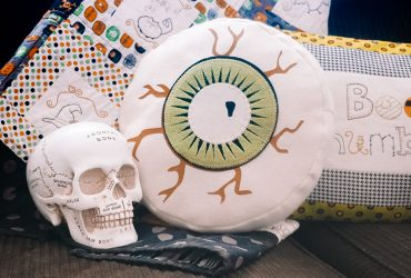 How to make an Eyeball Pillow With Silhouette
