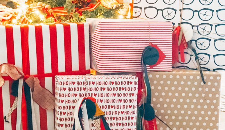 How to Make A Christmas Story Wrapping Paper
